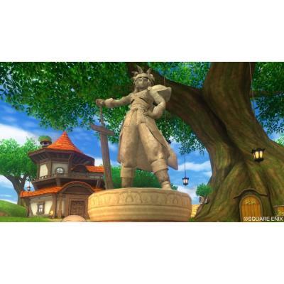 真のメルサンディ村 ザンクローネ像