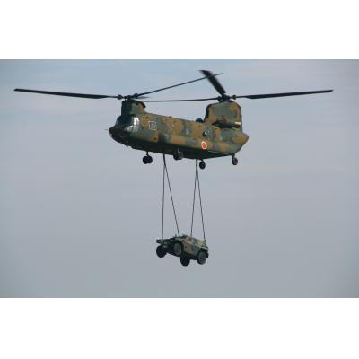 CH-47J チヌーク&軽装甲機動車