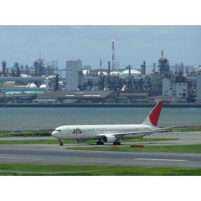 京浜工業地帯と飛行機(2010年7月14日)