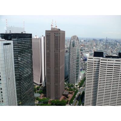 西口側の高層ビル街