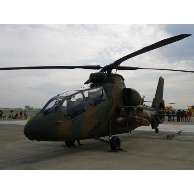 OH-1 観測ヘリコプター