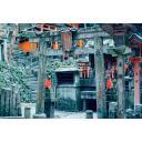 【背景】お稲荷さまの神社